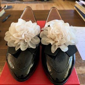 "Kate Spade ""Cinda"" Black Crinkle Patent Size 8.5"